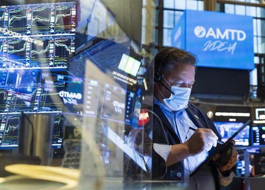 Wall Street cerró con récords en Dow Jones y en S&P 500, tras informe empleo