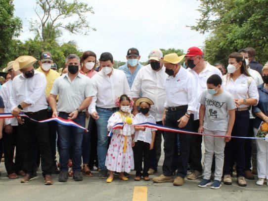 Inauguran 40 kilómetros de la carretera Pedasí – Los Asientos - Cañas