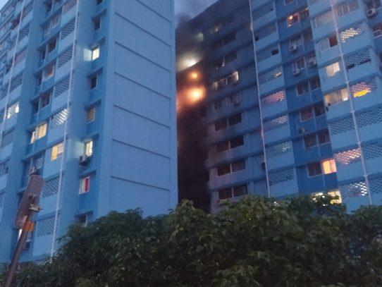 """Reportan incendio en edificio conocido como """"15 Pisos"""" en El Chorrillo"""