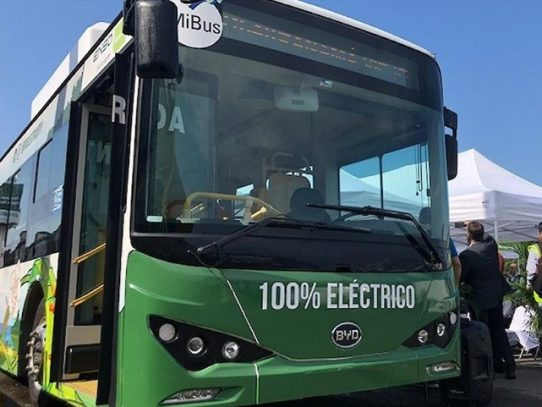 Gobierno incorporará la sostenibilidad en las contrataciones públicas para el despegue de la movilidad eléctrica