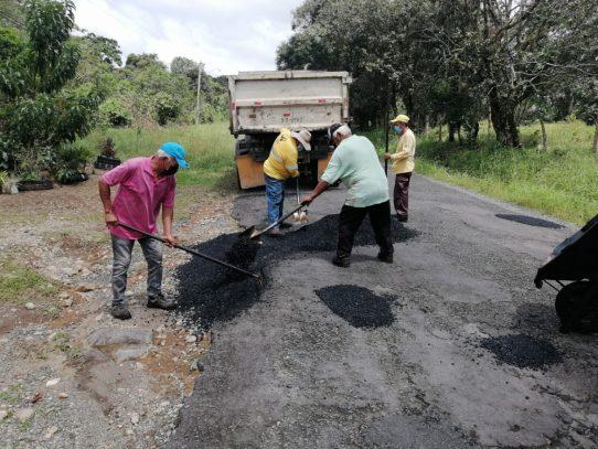 Avanzan las mejoras a los caminos de producción en Dolega, Chiriquí
