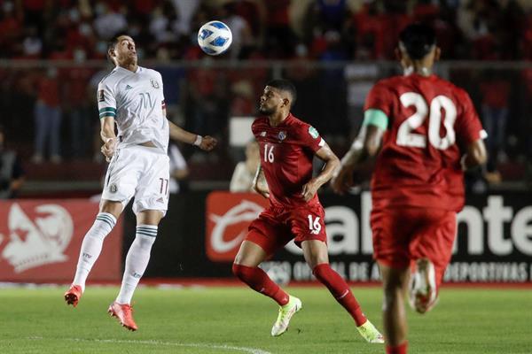 1-1-México mantiene el liderato al igualar con Panamá, en un intenso partido