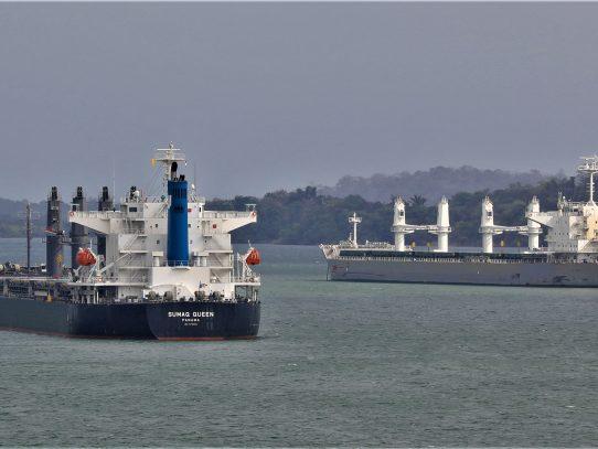 Panamá líder en el sector de buques de carga a granel