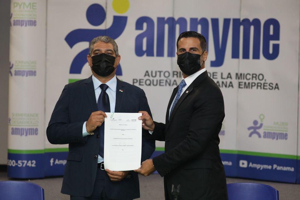 MINSA firma convenio con Ampyme en pro de generar oportunidades a emprendedores