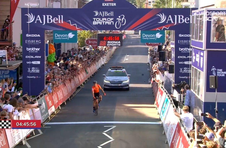 Carpenter gana la segunda etapa y es líder de la Vuelta a Gran Bretaña