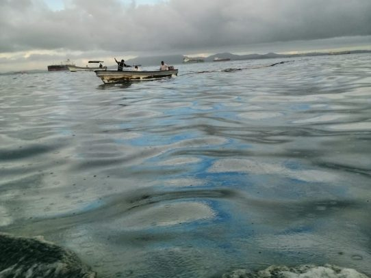 Investigan derrame de combustible en Isla Taboguilla