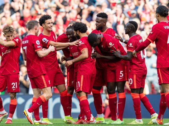 El Liverpool se pone a los mandos de la Premier, el City tropieza