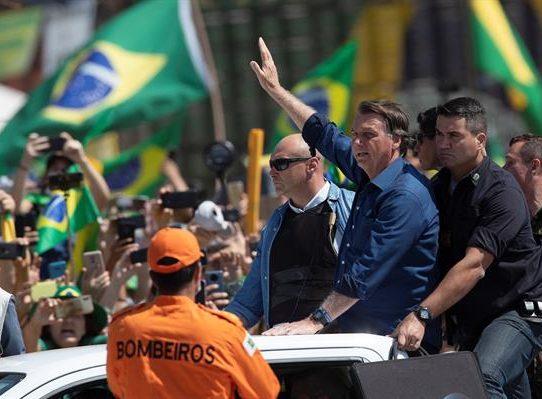 Bolsonaro amenaza al Supremo durante una masiva manifestación de la ultraderecha