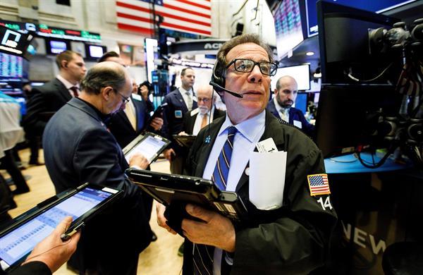 Wall Street cierra mixto y el Dow Jones sube un 0,76 % en una jornada de rebote