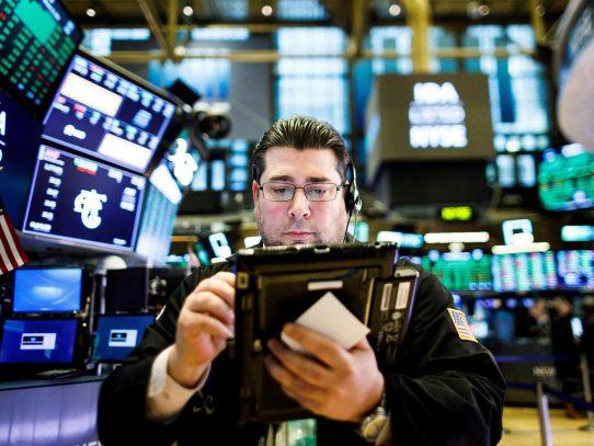 Wall Street abrió con fuertes pérdidas y el Dow Jones bajó un 1,48 %