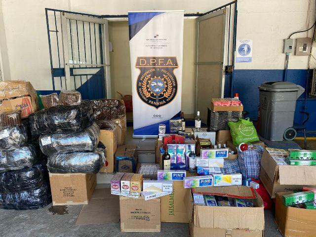 Aduanas retiene mercancía ilegal en la capital y Colón