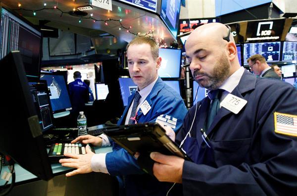 Wall Street anota pérdida semanal por la incertidumbre económica y monetaria