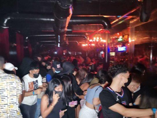 A partir de hoy: Reapertura de bares y discotecas y  balnearios, ríos y playas quedarán abiertos