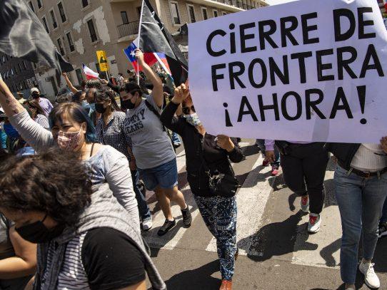 Marcha antiinmigrantes en Chile termina con incidentes violentos