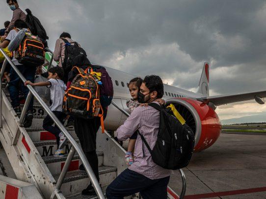 El personal afgano que trabajó para The New York Times llega a Estados Unidos