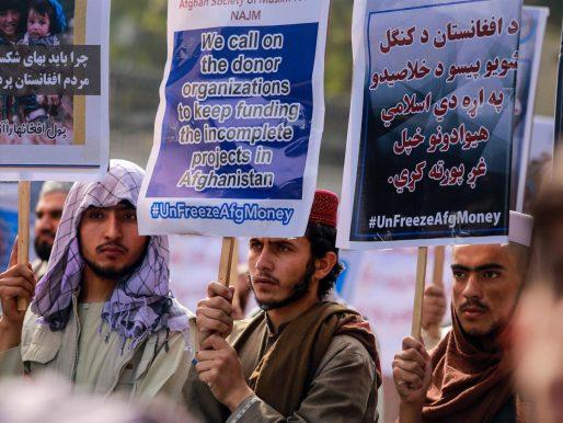 Los talibanes matan y cuelgan en público a cuatro secuestradores