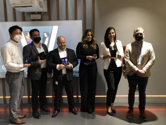 +MÓVIL presenta en Panamá los nuevos teléfonos plegables de Samsung: Galaxy Z Fold3 5g y el Galaxy Z Flip3 5g