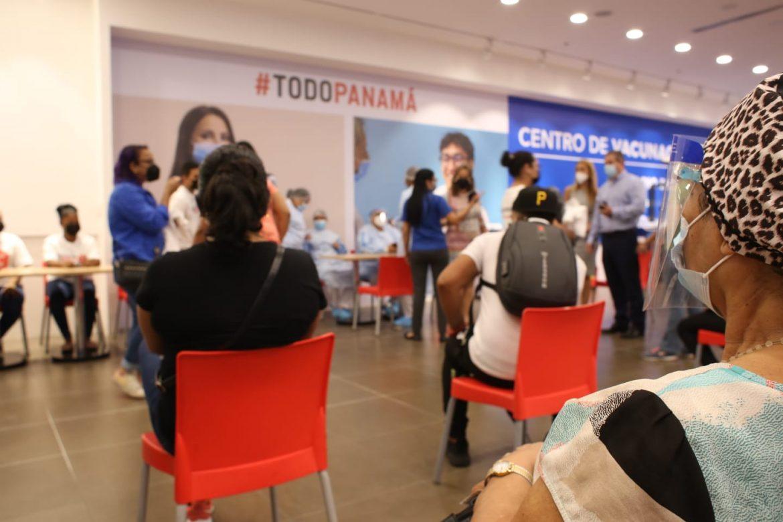 Inicia operaciones centro de vacunación contra la Covid-19 en Metromall