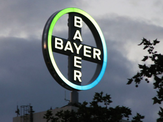 Bayer enfrenta nueva demanda que alega impacto cancerígeno de herbicida Roundup en un niño