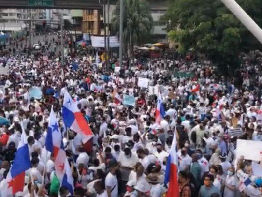Ciudadanos exigen respeto a la democracia y que no se dé un retroceso en materia electoral