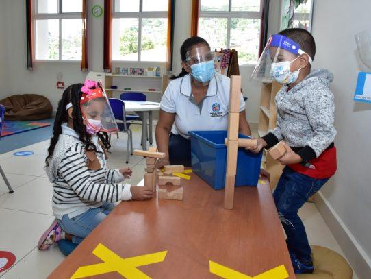 MIDES: 2,011 niños reciben estimulación temprana en 1,125 CAIPI que se han reabierto en el país