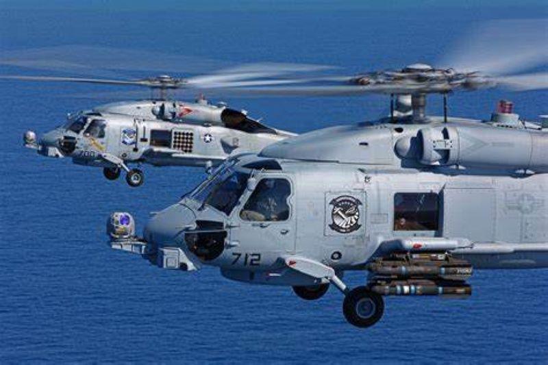 Declaran muertos a cinco marinos de EE.UU. que iban en helicóptero que se estrelló en el Pacífico