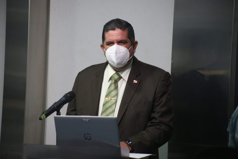 Cuestionan al ministro Pino sobre aumento de casos de violencia doméstica, maltratos e inseguridad