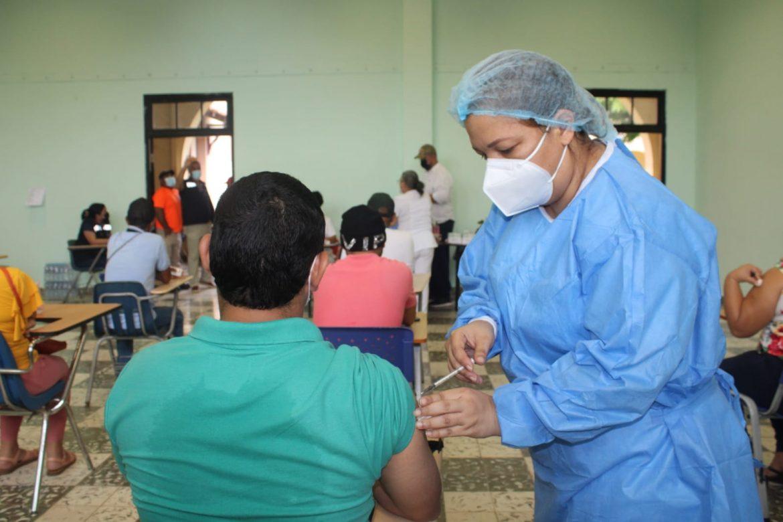Inicia jornada de vacunación en circuitos 9-1 y 9-3 en Veraguas