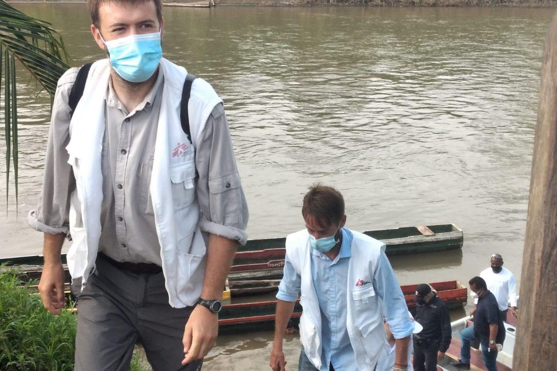 Médicos Sin Fronteras se encuentran en Darién atendiendo a la población migrante