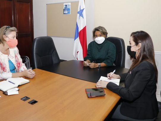 Cónsul de EE.UU. en Panamá aborda asuntos de cooperación en temas de salud