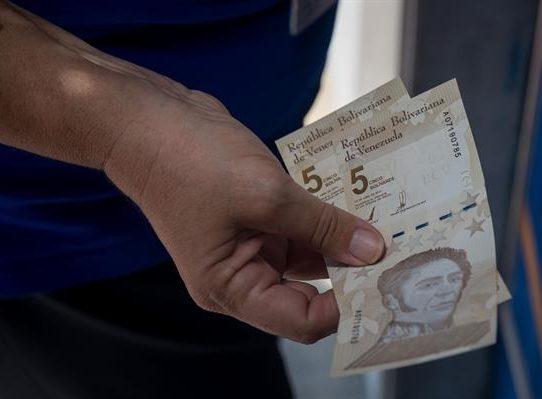 Venezuela amanece tranquila ante su nuevo cono monetario