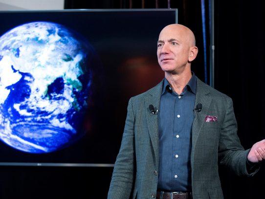 Congresistas de EE.UU. piden a Amazon que aclare si Bezos mintió bajo juramento