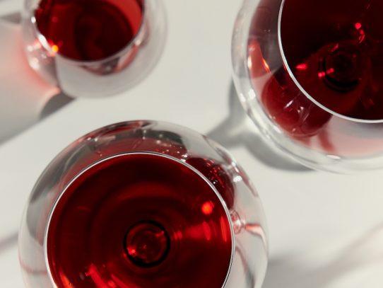 ¿Beber alcohol puede elevar tu frecuencia cardiaca?