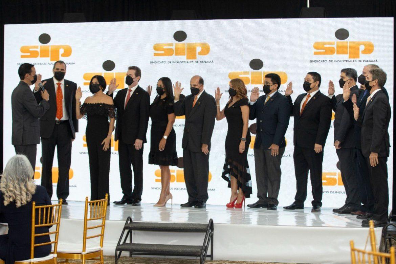 Juramentan nueva directiva del Sindicato de Industriales de Panamá
