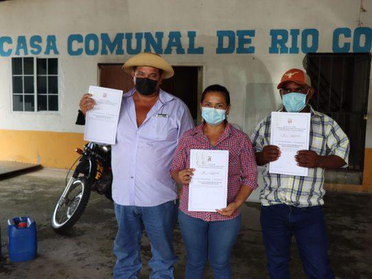 Familias reubicadas de Río Congo recibieron sus títulos de propiedad