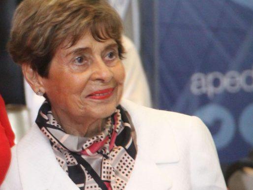 Empresaria Mavis Espinoza de Pérez reconocida por prácticas éticas en los negocios y RSE