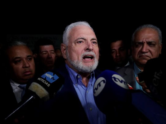 Un juzgado guatemalteco ordenó el embargo del avión del expresidente panameño Ricardo Martinelli
