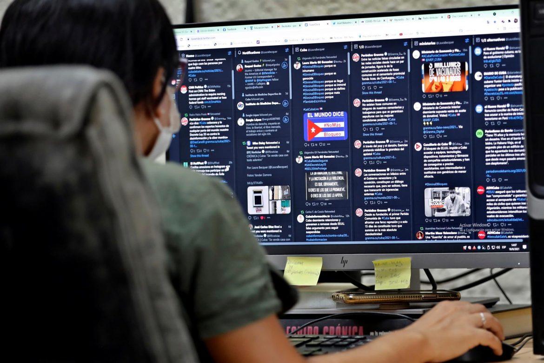Brecha digital, otra barrera para las mujeres en Latinoamérica