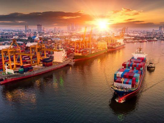 EE.UU. espera arreglar la cadena de suministro abriendo puertos a todas horas