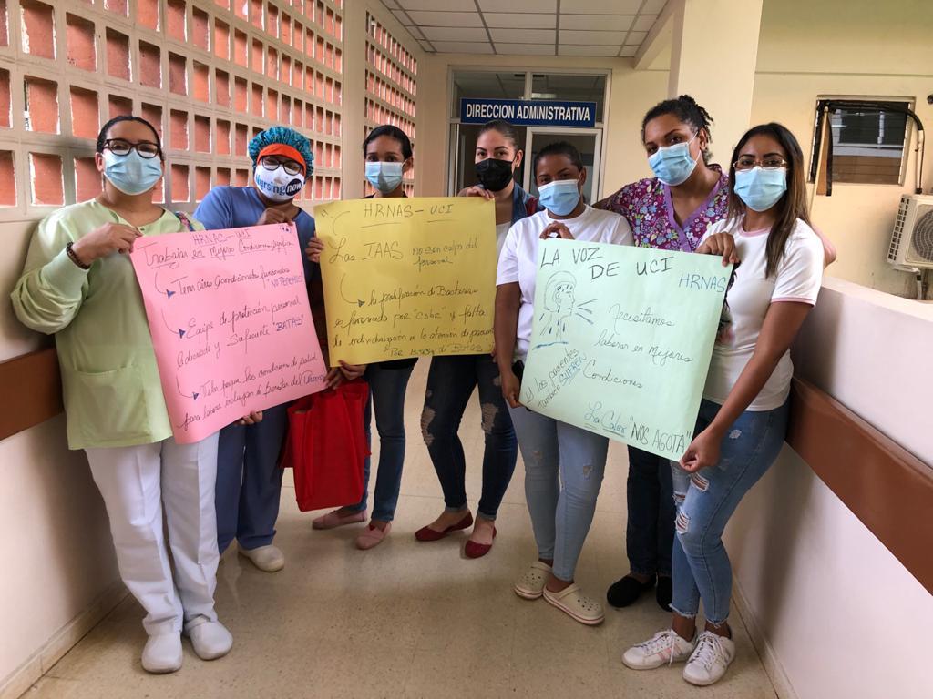 Enfermeras dicen que aún continúan trabajando sin los insumos adecuados