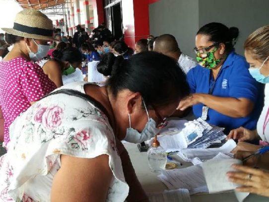 Entregan más de 4 mil 500 tarjetas de débito a jubilados y pensionados en Veraguas