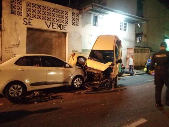 Policía desmiente versión de camionero que arrolló 38 autos en El Chorrillo