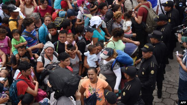 Detienen a unos 70 migrantes en operativo en el sur de México