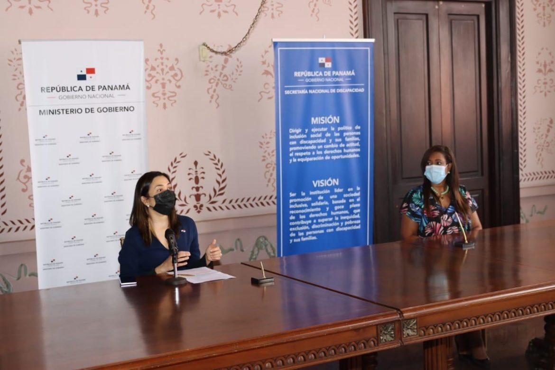 Mingob y Senadis firman convenio para aumentar producción de audiolibros