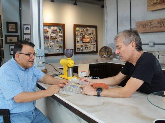 Panamá Geisha rompe récord en compradores interesados para subasta electrónica