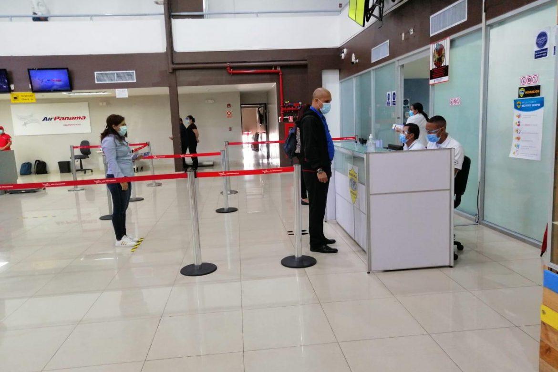 Realizan simulacro de protocolos y bioseguridad en aeropuerto de Albrook
