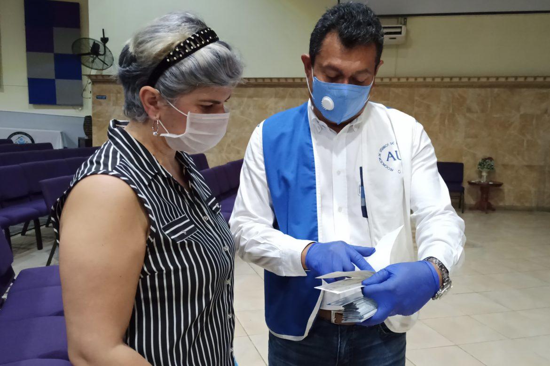 Empresarios de la ZLC distribuyen 20 mil dólares en vales en Colón