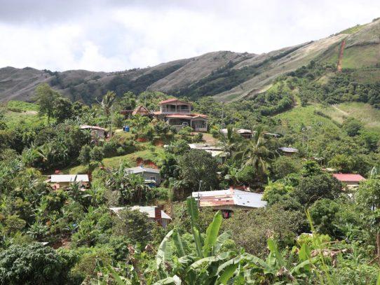 Asentamiento informal Altos de Howard es legalizado