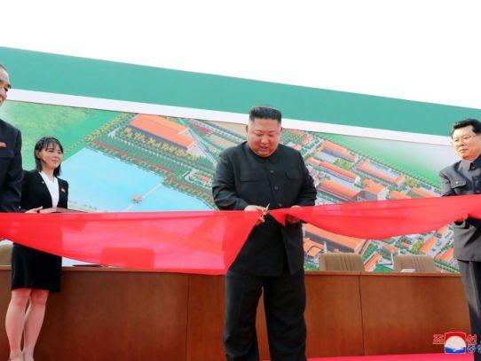 El líder norcoreano Kim Jong Un reaparece en público después de tres semanas