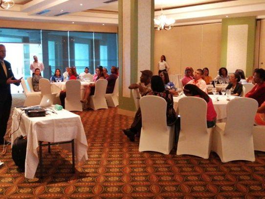 Realizan jornada de formación para educadores en Colón